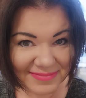 Csilla profilképe